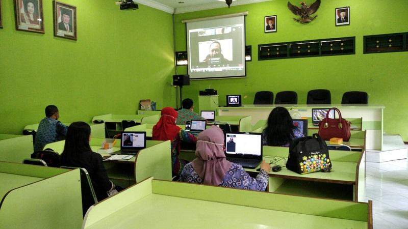 Laporan Kegiatan Webinar Mushlihatun Syarifah